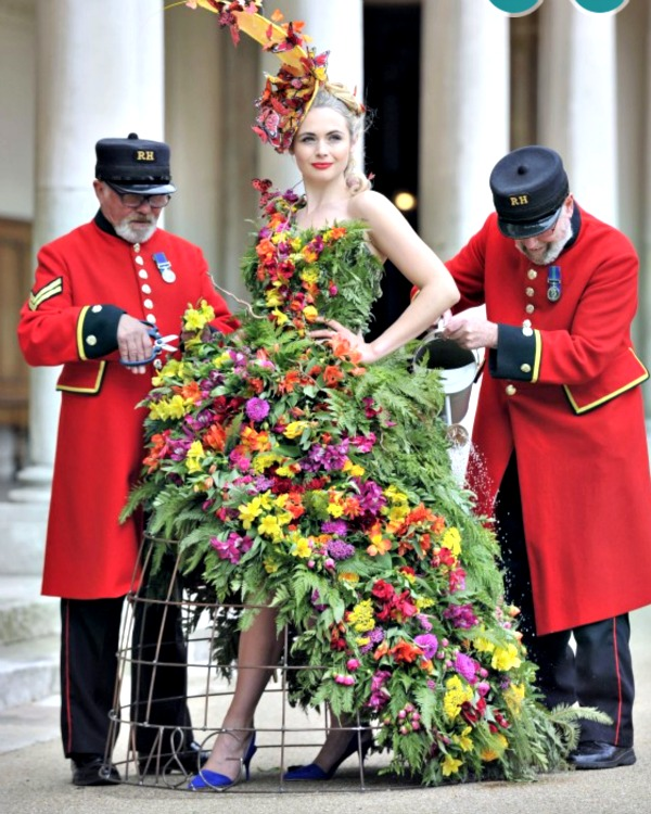 chelsea flower show dress