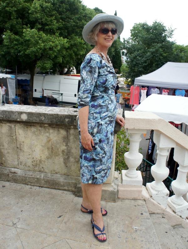Bombshell dress in Grimaud Market