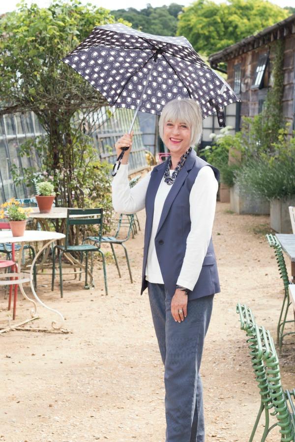 Petersham grey trousers with umbrella (1)