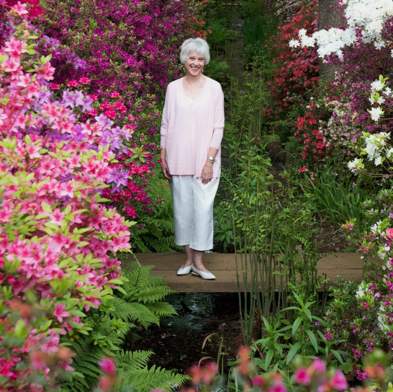 Can older women wear pink?