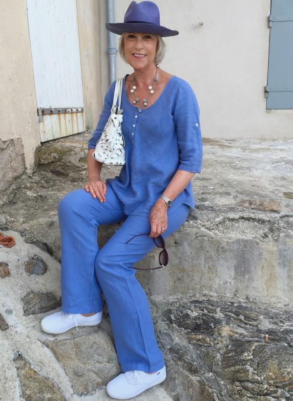 Blue linen Seated St. Tropez