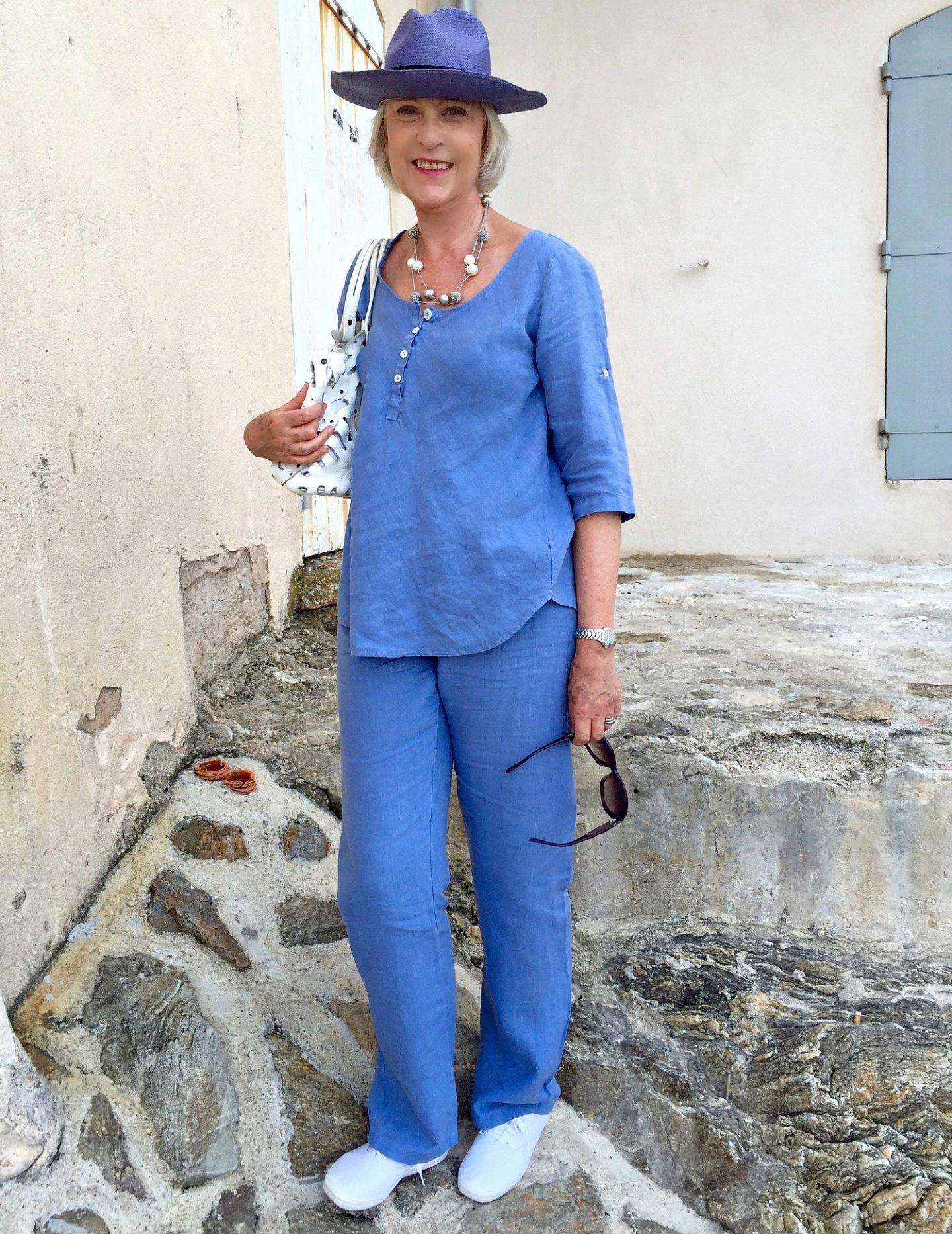 Linen for summer - Blue hat