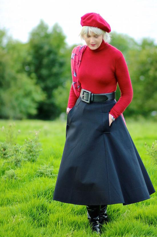 aaaeac64b2 3 ways to wear a midi-skirt