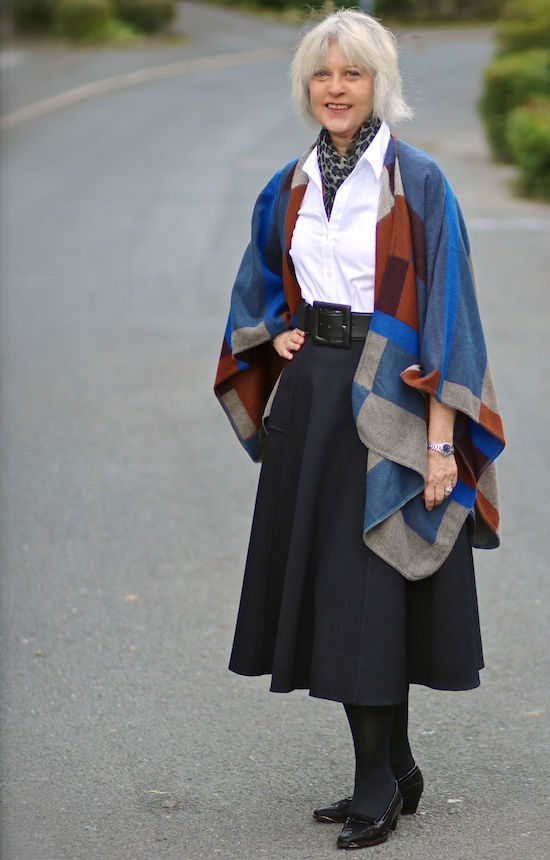 How I wore a midi-skirt with white blouse and cape