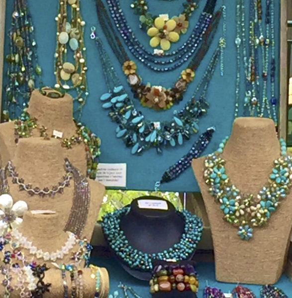 Shops in St. Tropez Jewellery