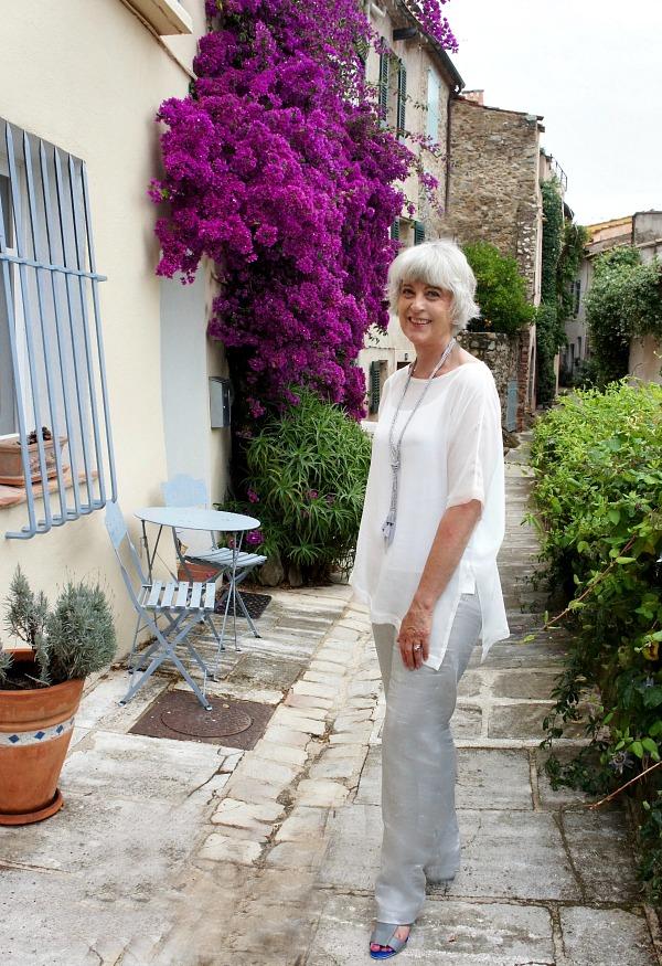 Hope grey linen trousers & cream top in Grimaud