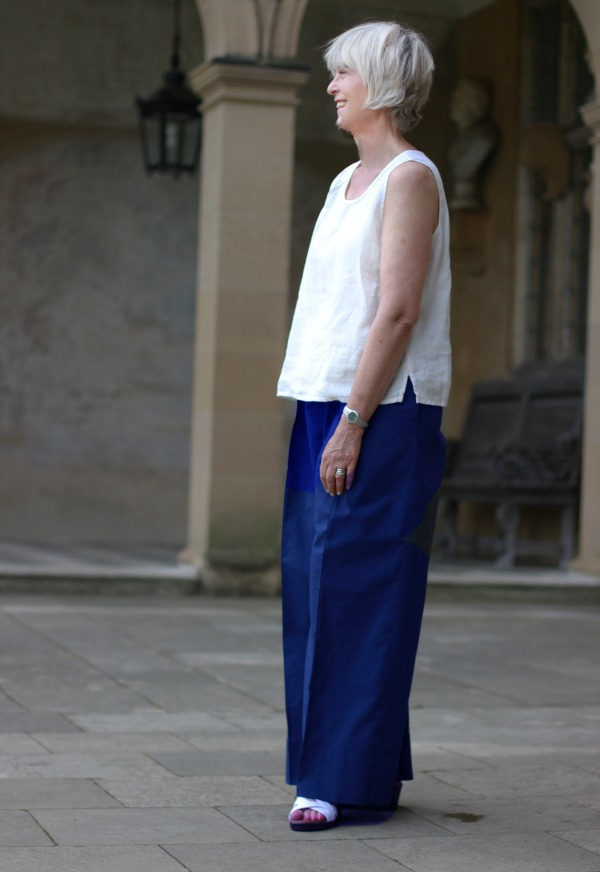 Navy wide trousers + cream top