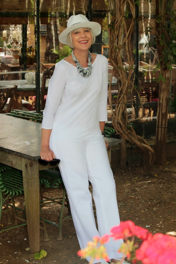 How to wear white for a day out in London