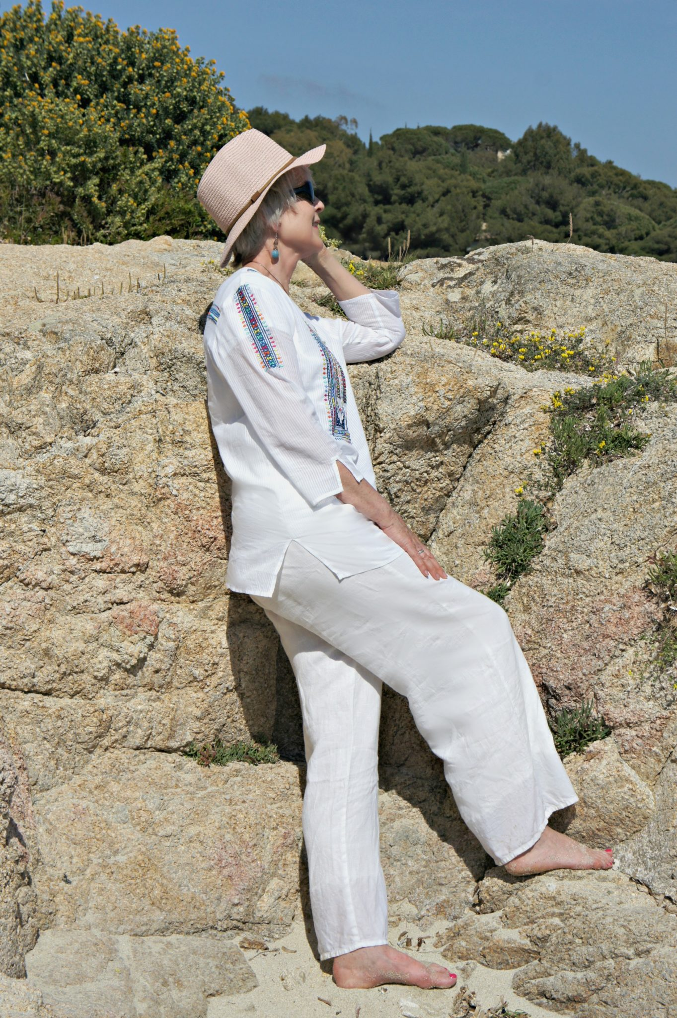 Kaftan and linen trousers