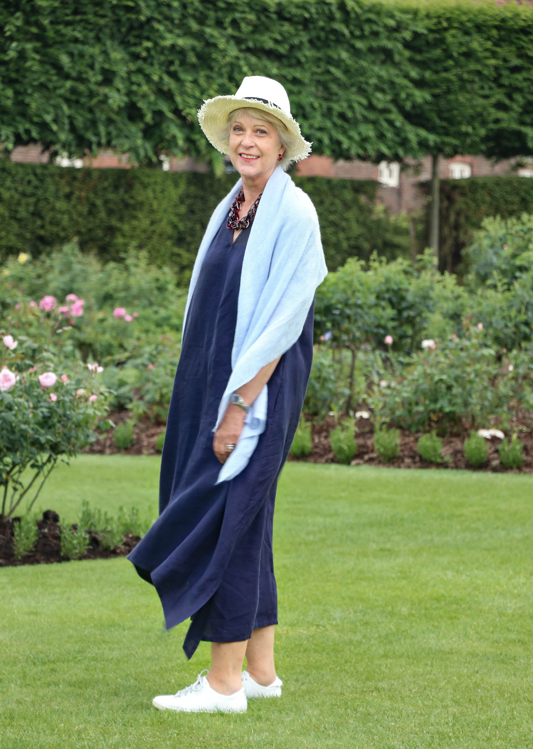 How I style my navy linen maxi dress