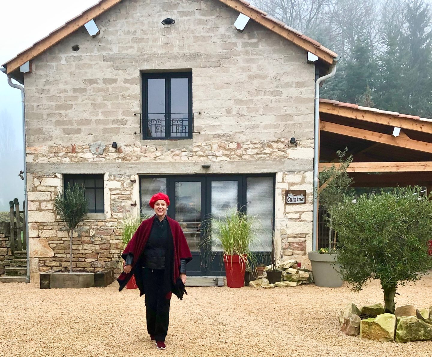 Overnight stay at Chamber d'hôte Burgundy wool poncho