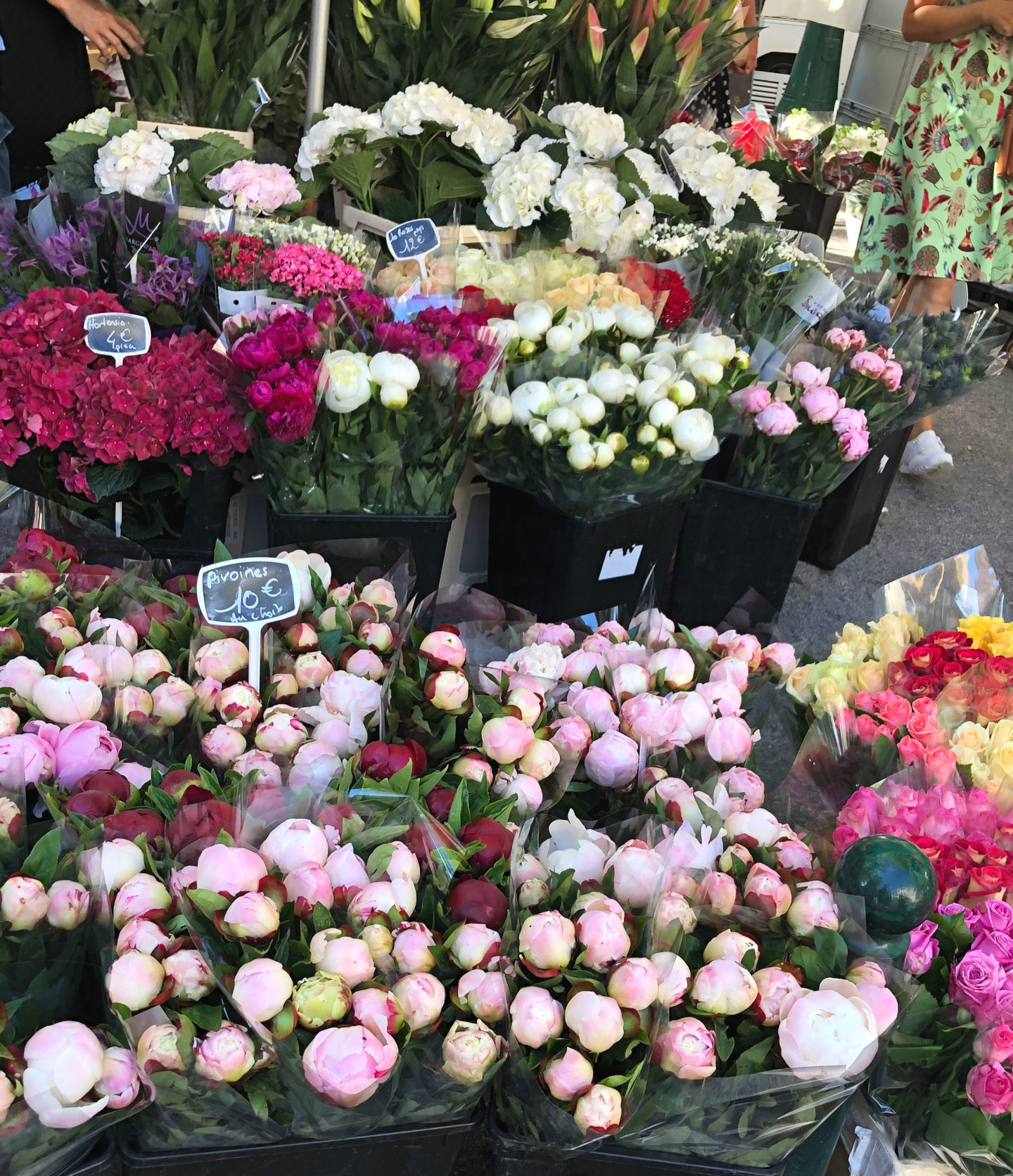 Flowers in St. Tropez market