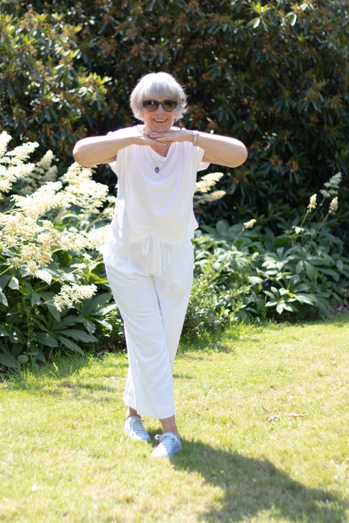 cool white tee shirt and trousers for summer