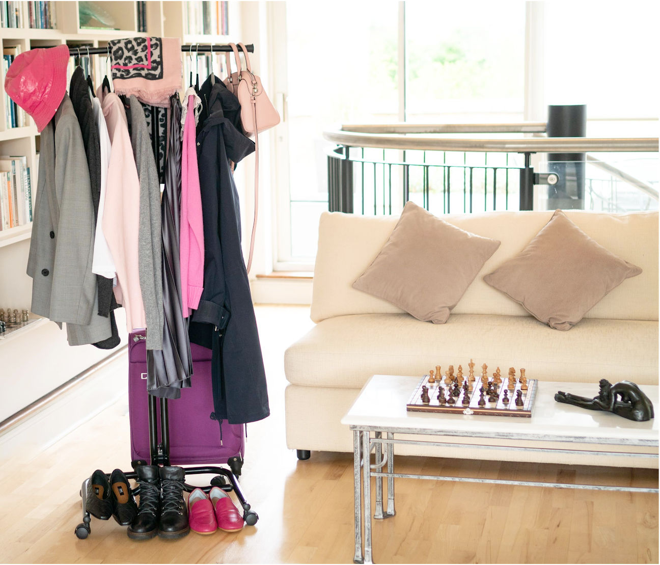 How to create a weekend capsule wardrobe for June