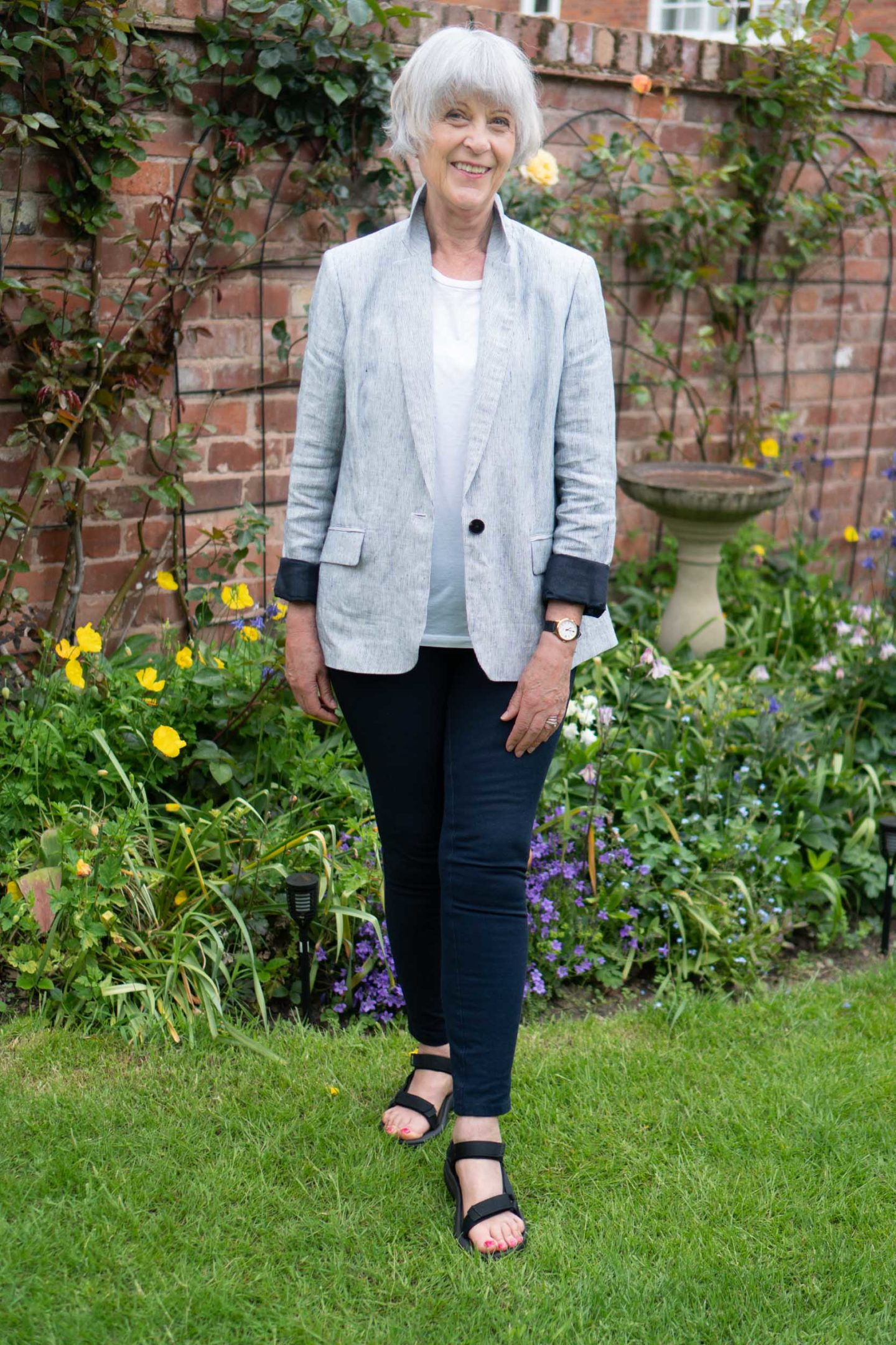 Linen jacket, white tee and navy trousers