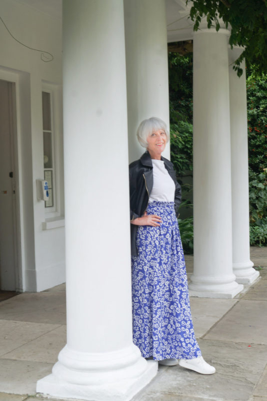 How to adapt a print maxi skirt
